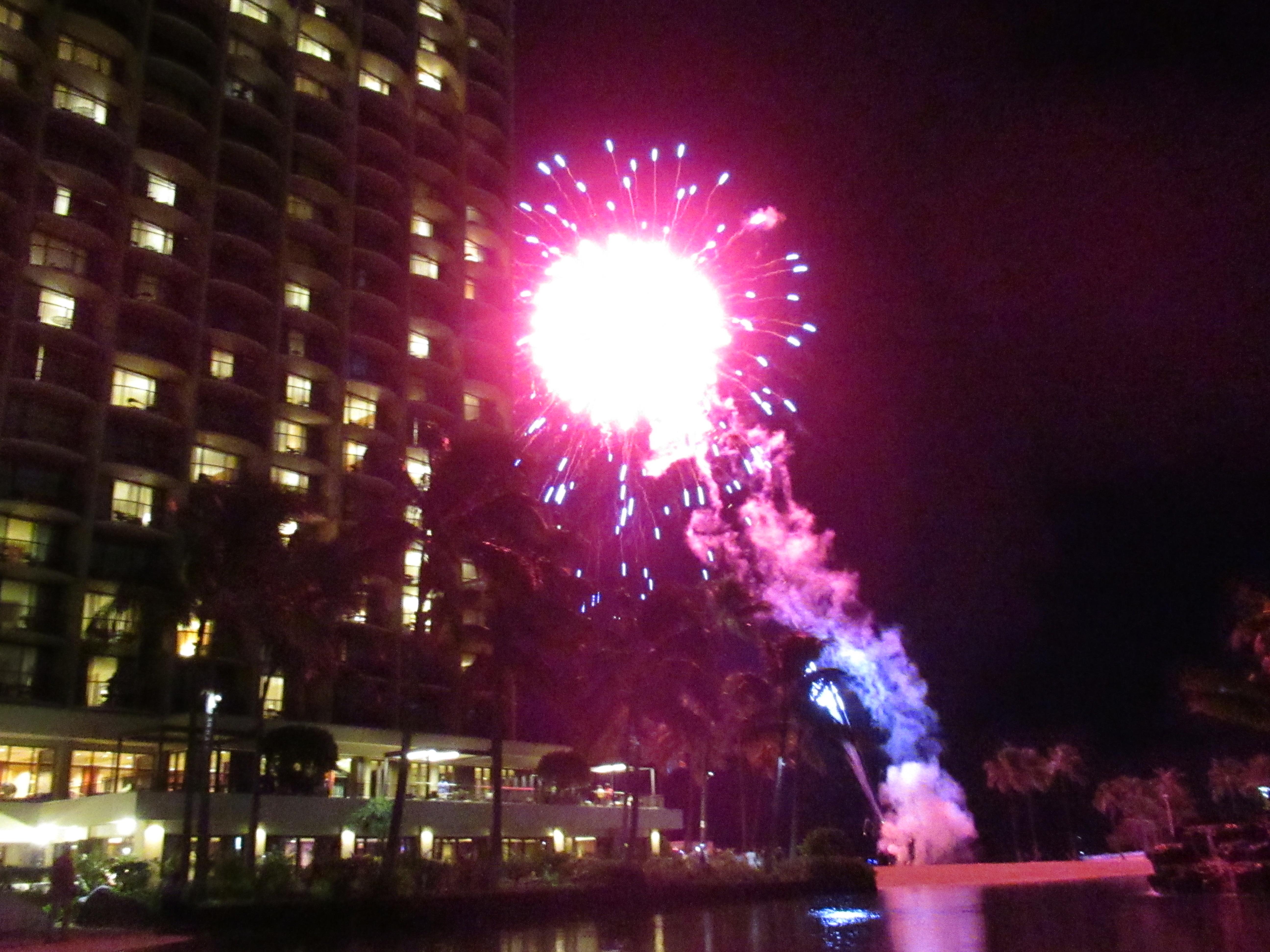 ヒルトンハワイアンビレッジの花火をラグーン内で見る場所と持ち物|子連れハワイブログ