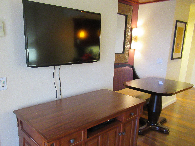 子連れハワイのホテル滞在中の過ごし方☆テレビ番組は?DVDは持ち込みがおすすめ|ハワイ旅ブログ