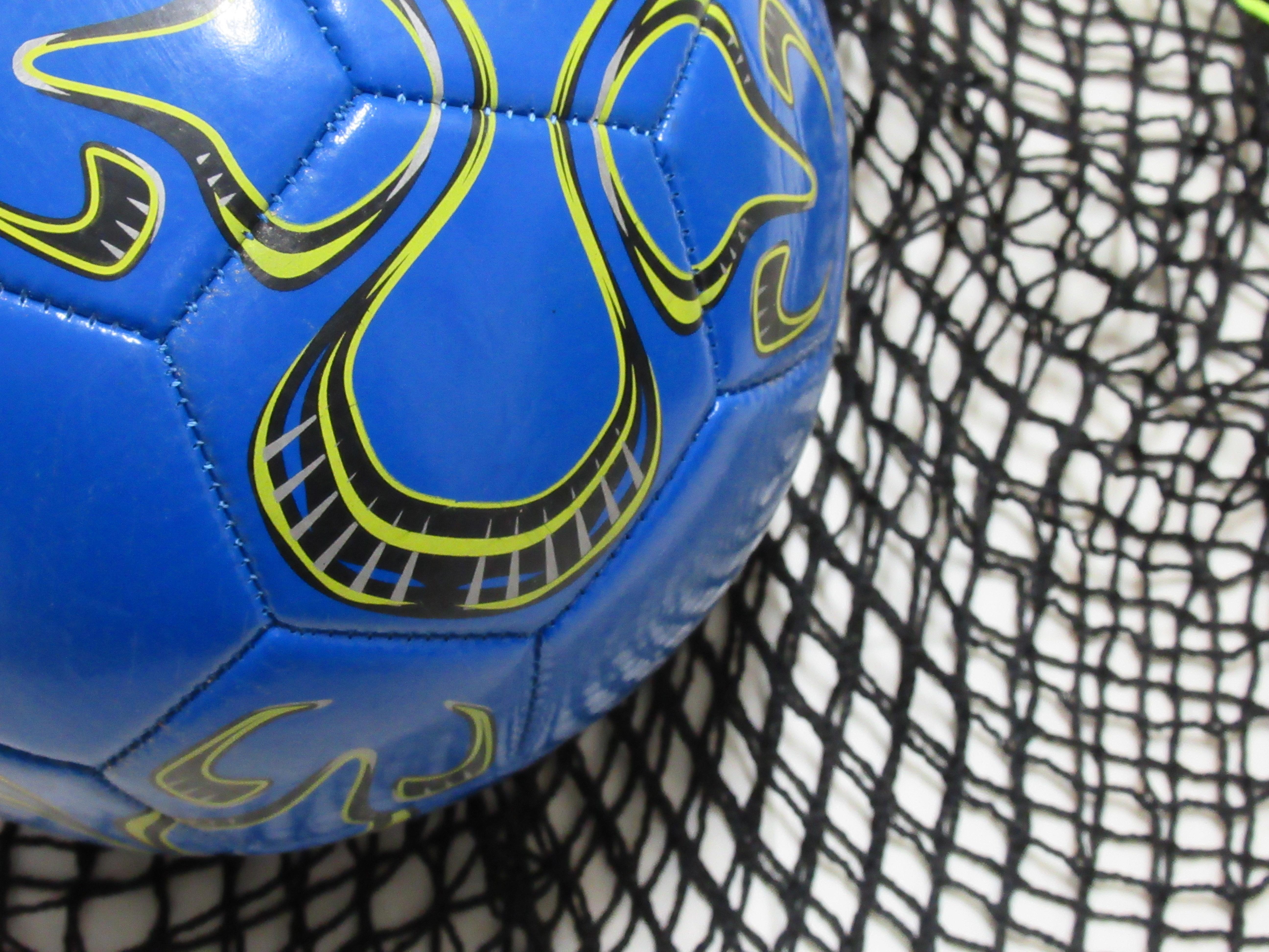 針糸不要!!100均の材料で簡単サッカーボール袋の作り方