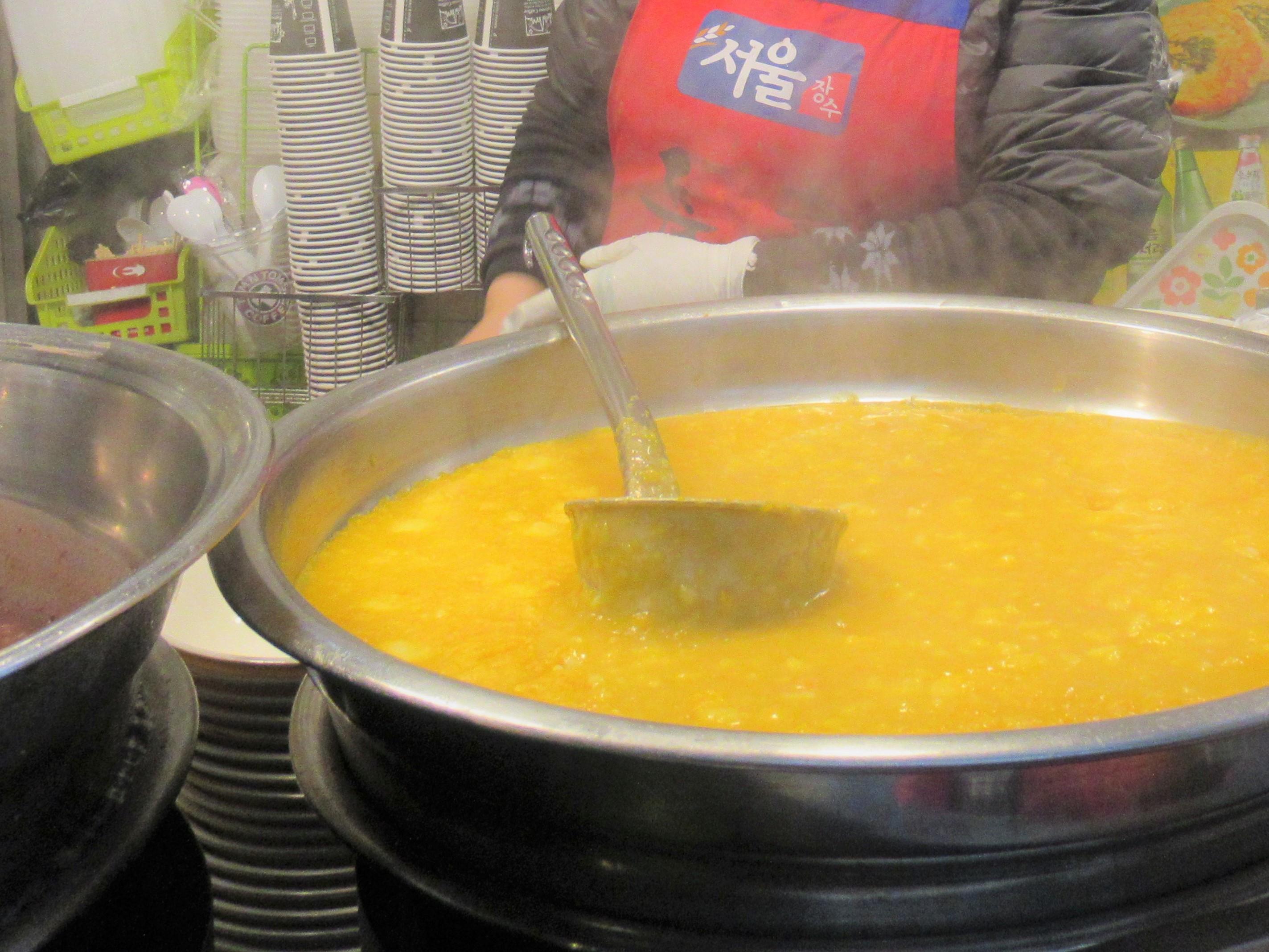 広蔵市場で朝食はかぼちゃ粥|韓国ブログ旅