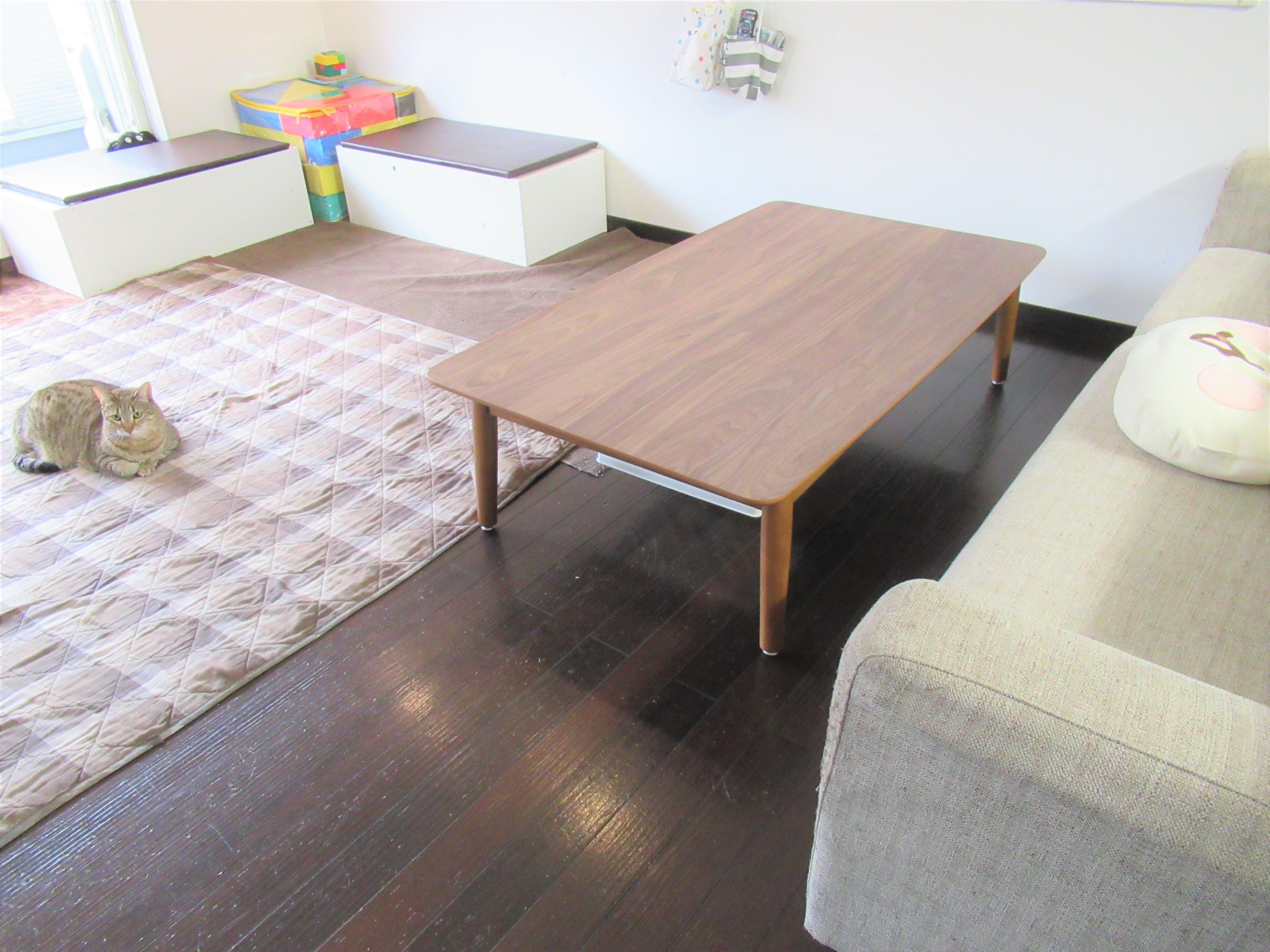 部屋の模様替え|子ども仕様のリビングはテーブルの高さは60㎝がオススメ
