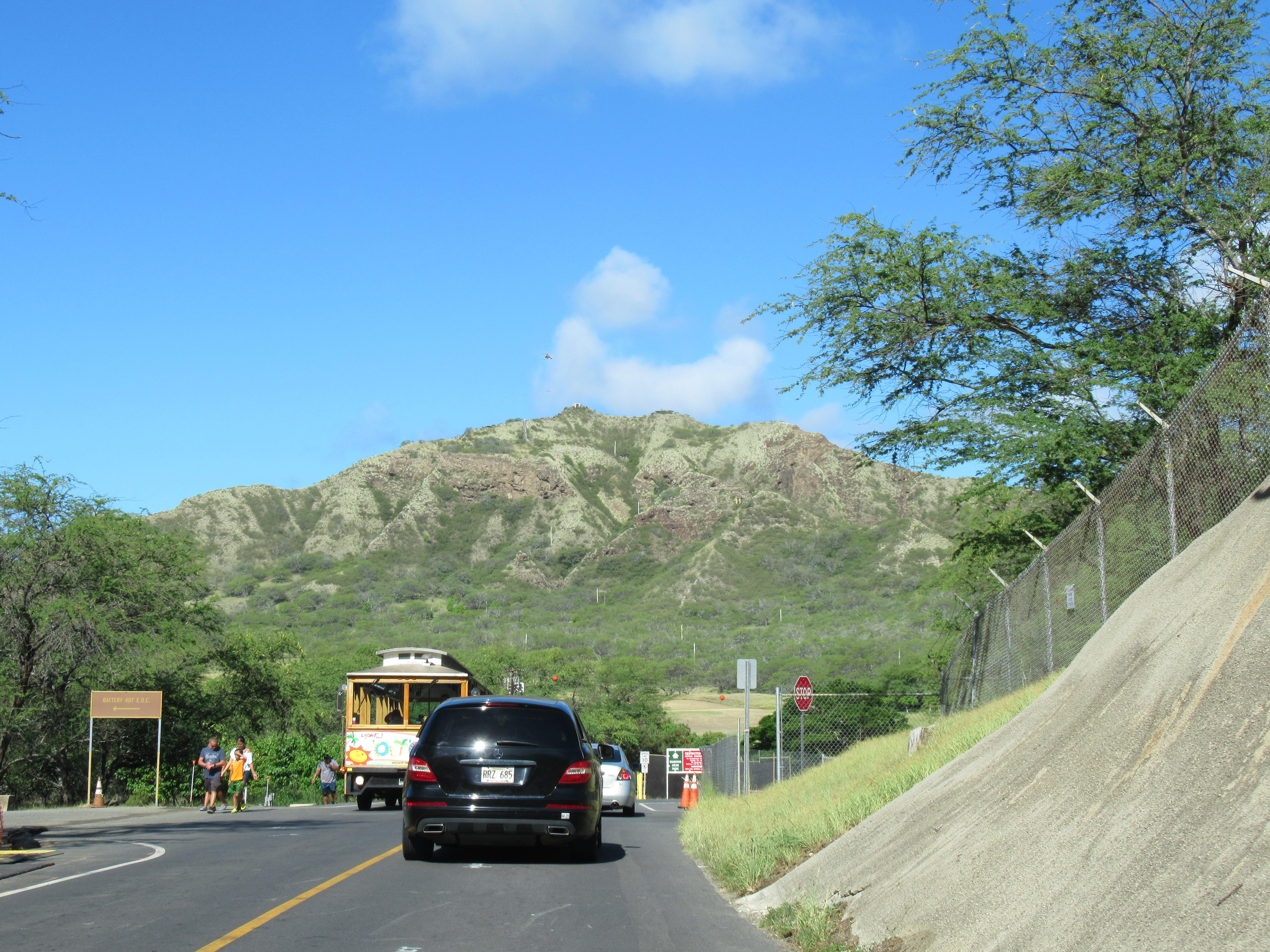 ダイアモンドヘッドの行き方5選☆駐車場が満車の時は?レンタカーでの注意点|ハワイ子連れ旅ブログ