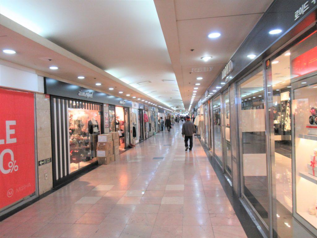 西面 地下商店街 大賢プリモール