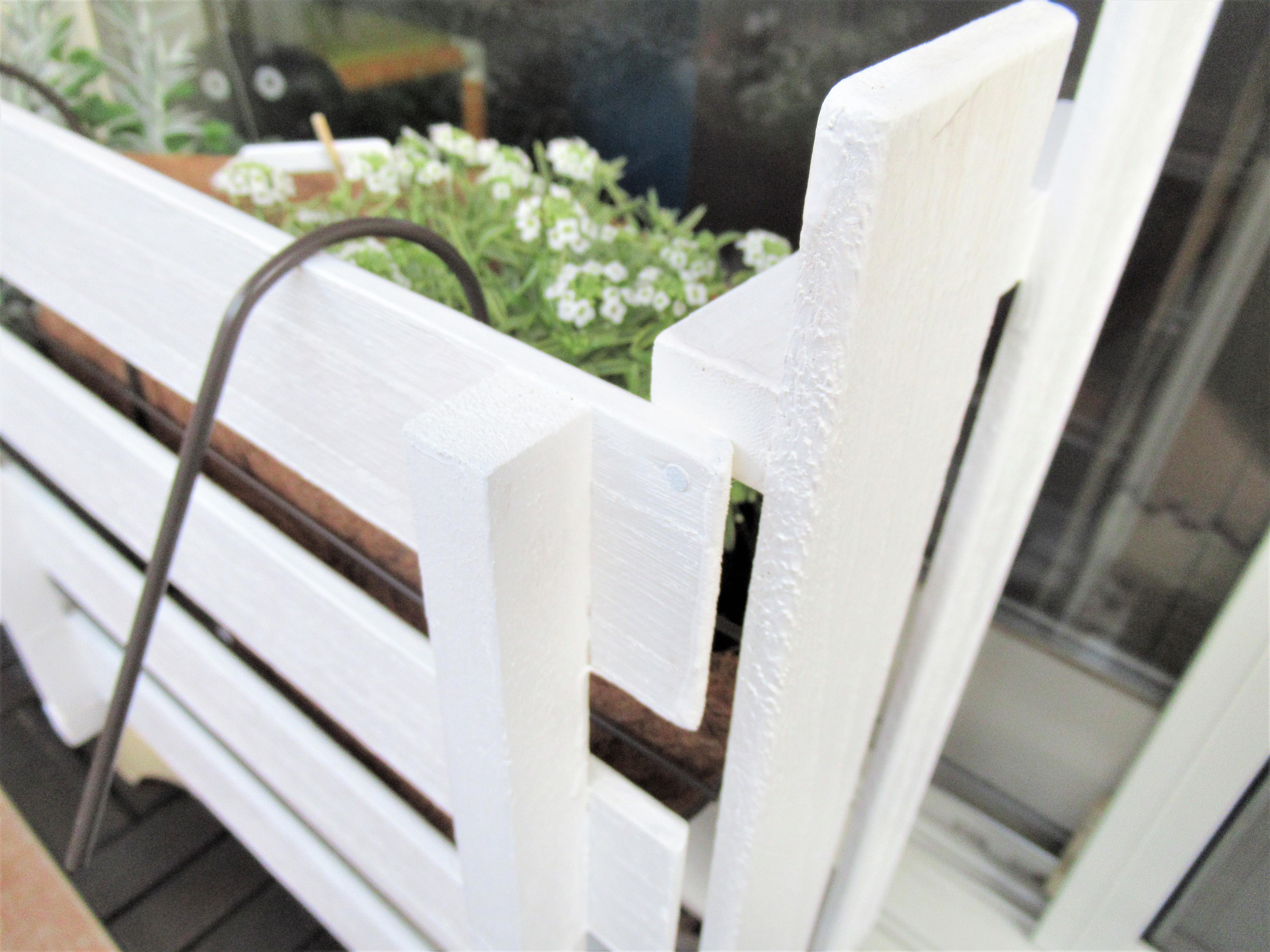 ガーデニング用の柵を「すのこ」で簡単手作り!ベランダのグレードアップと猫対策|子育てブログ