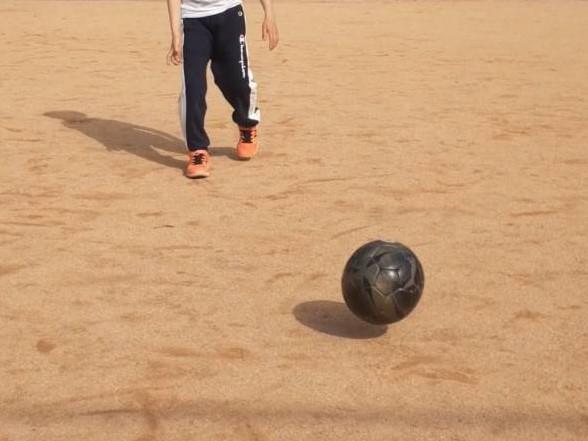 【幼児~小学生向け】子どもがサッカーのリフティング続かない!1日で上達する3回の壁を乗り切る方法!